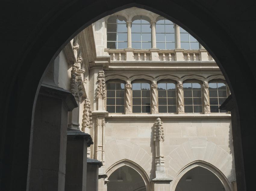 Claustro o patio de la cisterna del convento de Sant Bartomeu  (Servicios Editoriales Georama)