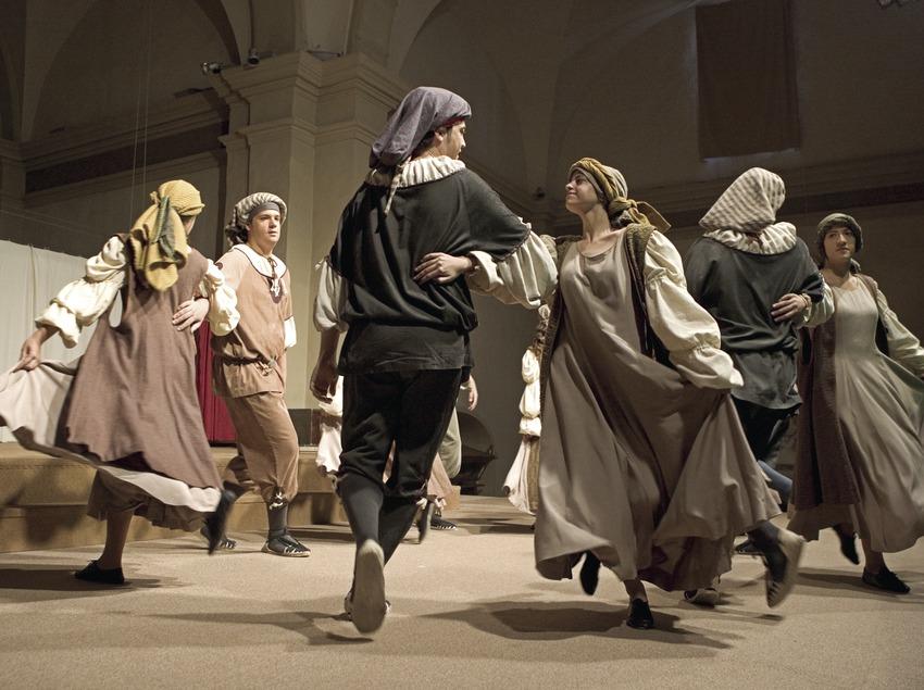 Dansa del ball del Sant Crist.  (Oriol Llauradó)