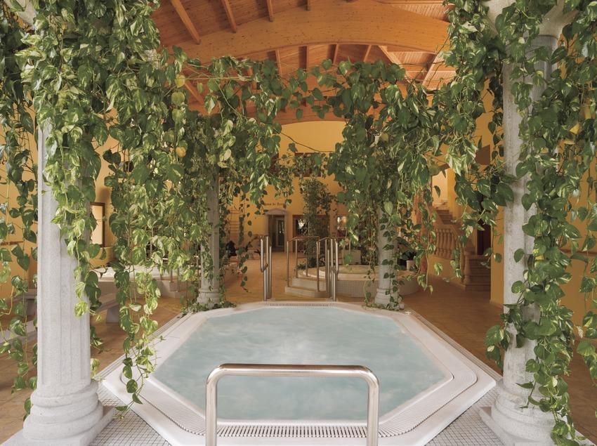 Baronia de Les thermal baths.