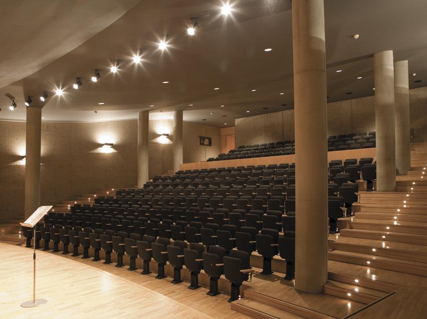 Interior de l'auditori Enric Granados. (Oriol Llauradó)