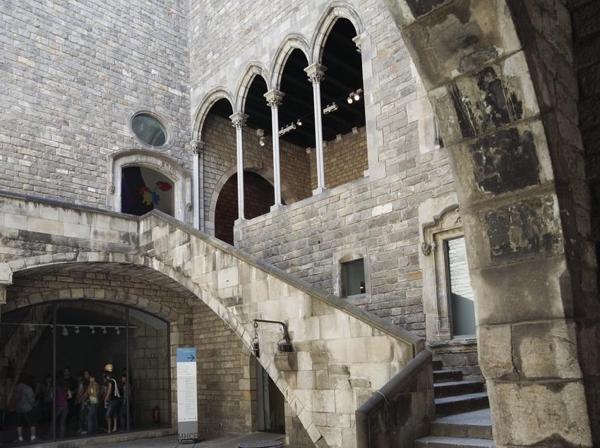 Pati d'accés al Museu d'Història de la Ciutat.  (Nano Cañas)