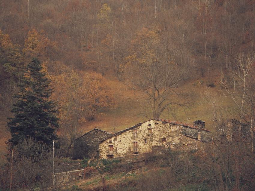 Masía en el valle de Camprodon.  (Kim Castells)