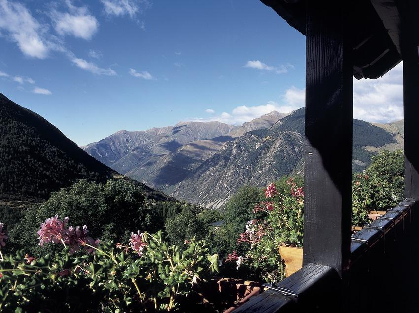 Vista de la vall des d'un balcó de Taüll.