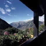 Vue de la vallée depuis un balcon de Taüll.