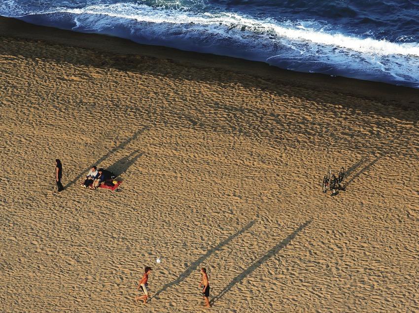 Capvespre a la platja de la Barceloneta (Lluís Carro)