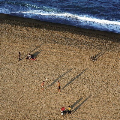 Atardecer en la playa de la Barceloneta