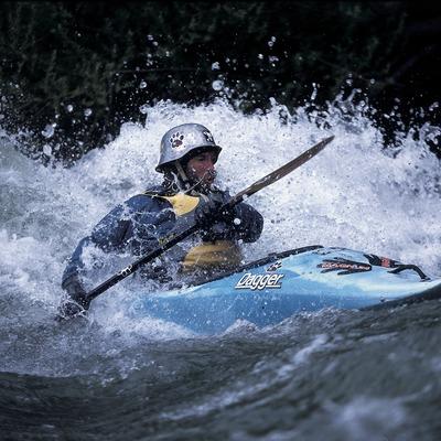 Canoeing. White-water kayaking. Noguera Pallaresa.