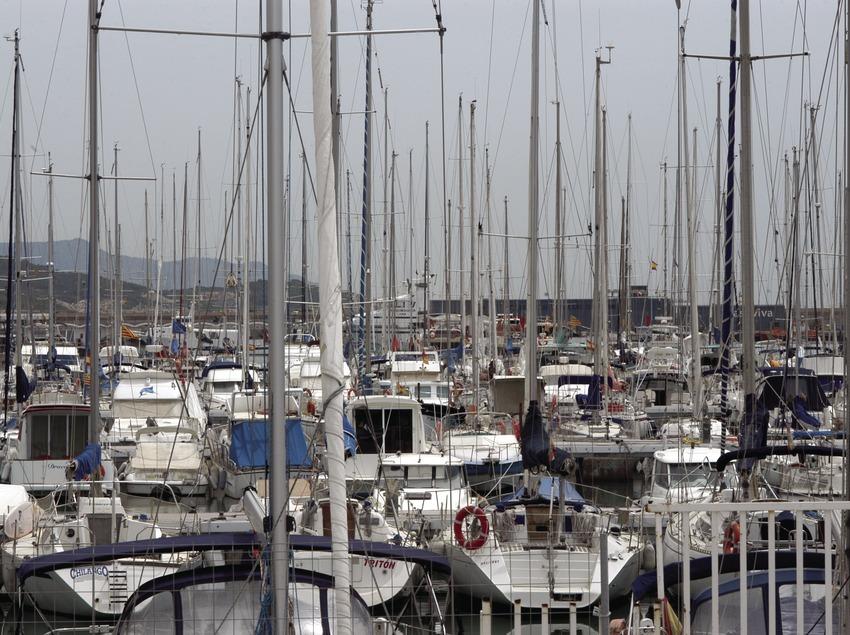 Vista general del port de Vilanova i la Geltrú