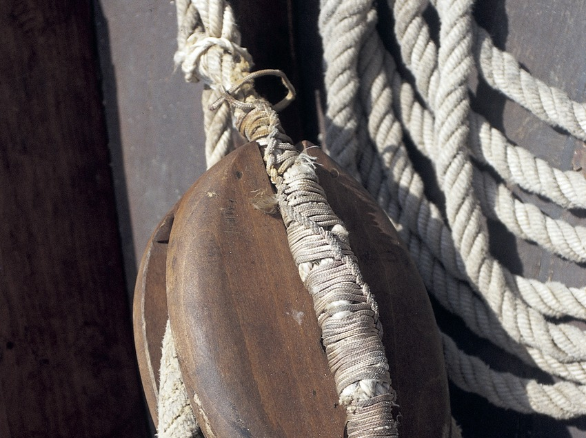Pulley on a boat  (Marc Ripol)