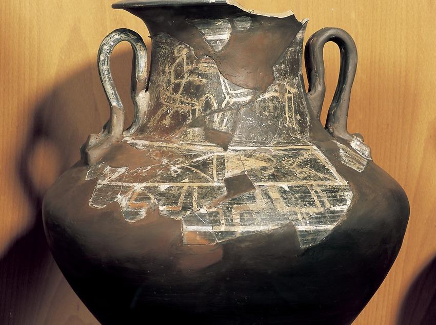 Ceràmica indiketa de pasta clara amb nansa (425 a.C.). Museu d'Arqueologia de Catalunya-Ullastret  (Imagen M.A.S.)