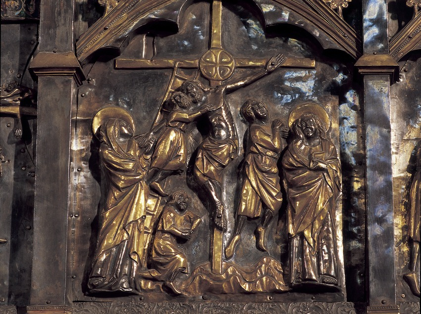 Detail of the altarpiece on the high altar (11th century). Cathedral of Santa Maria.  (Imagen M.A.S.)