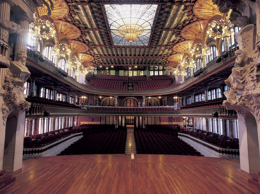 Stalls in the Palau de la Música Catalana (Catalan Palace of Music), by Domènech i Montaner.