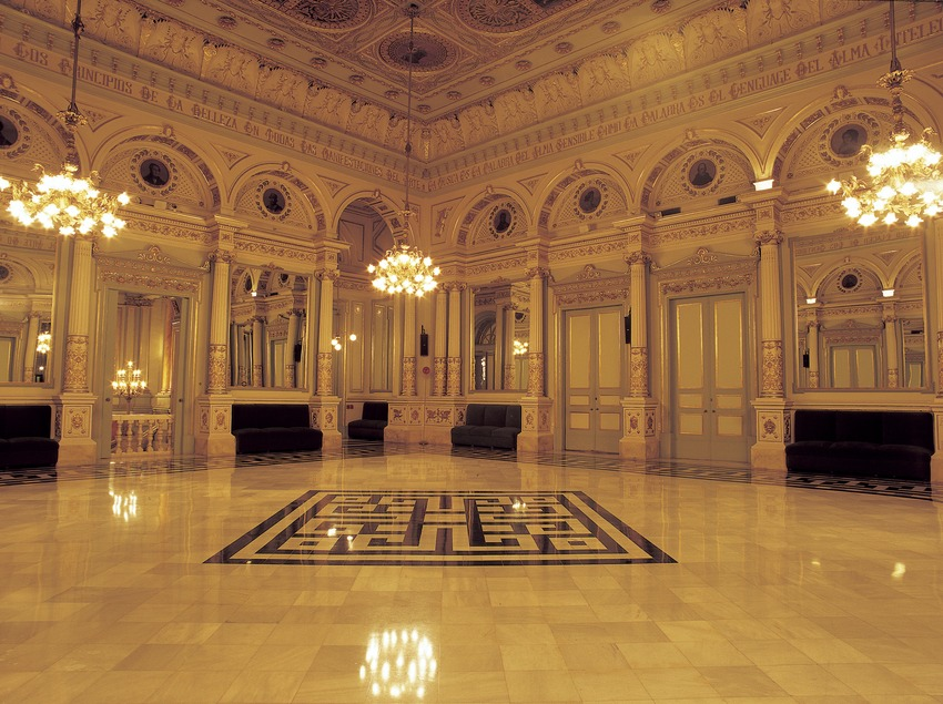 Salón de los espejos. Gran Teatre del Liceu.  (Imagen M.A.S.)