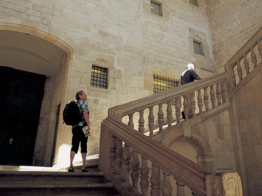 Escalera del Palau de Lloctinent.  (Imagen M.A.S.)