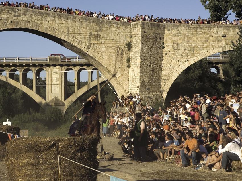 Carrera de caballos durante la Feria Medieval (Oriol Llauradó)