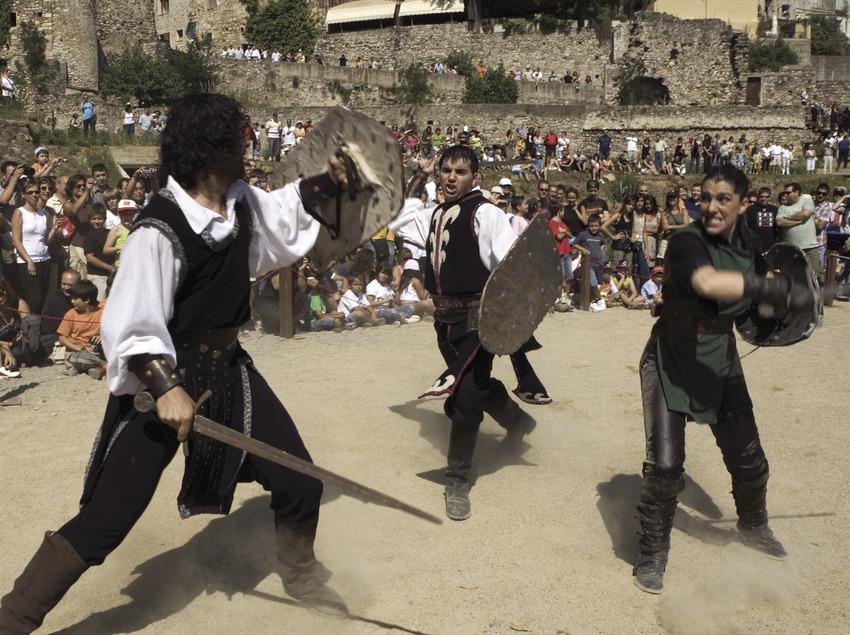 Spectacle de lutte à la foire médiévale