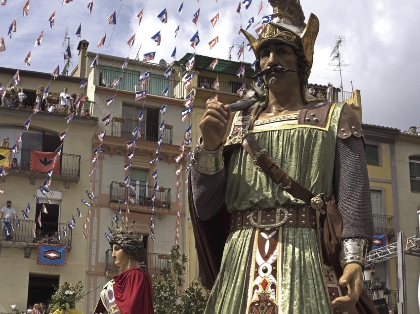 Géants pendant la fête de Notre Dame du Tura