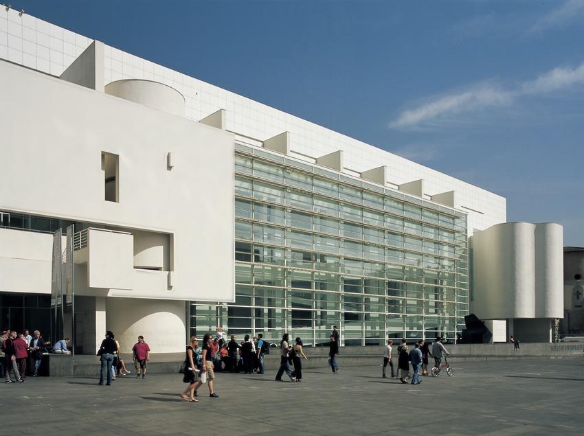 Museo de Arte Contemporáneo de Barcelona (MACBA).  (Imagen M.A.S.)