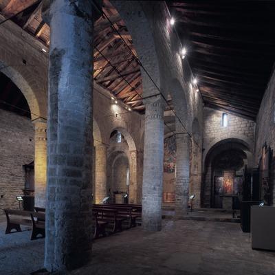 Interior de l'església de Sant Climent de Taüll.  (Imagen M.A.S.)