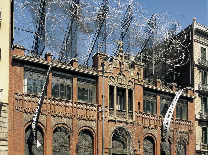 Façana de la Fundació Antoni Tàpies.  (Imagen M.A.S.)
