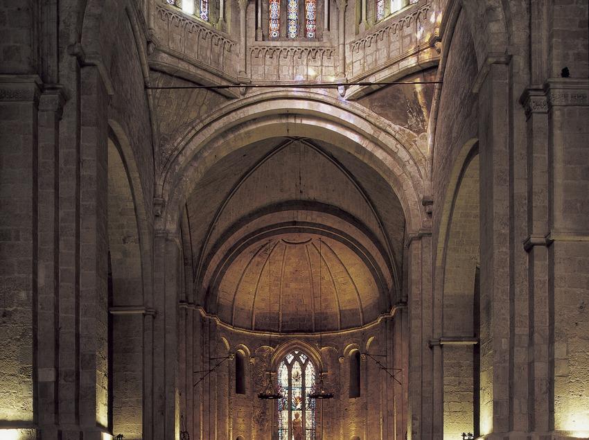 Nave central de la iglesia del monasterio de Sant Cugat d'Octavià  (Imagen M.A.S.)