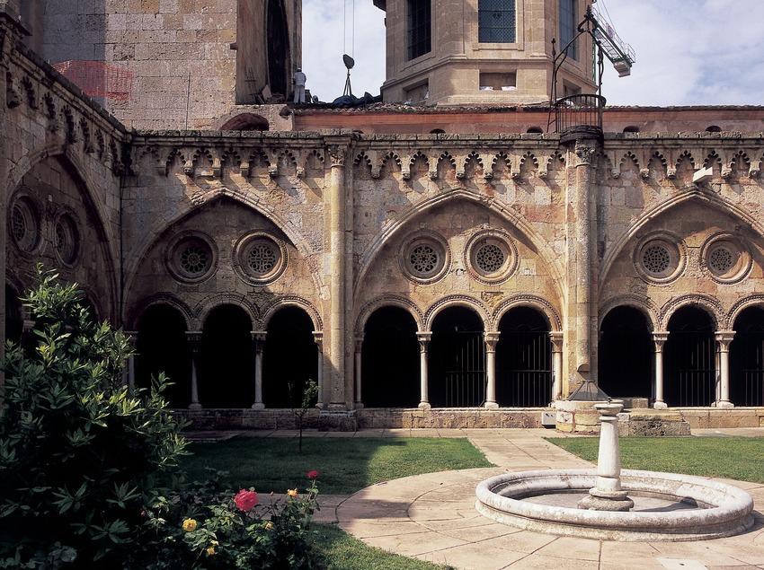 Claustre del monestir de Sant Cugat d'Octavià  (Imagen M.A.S.)