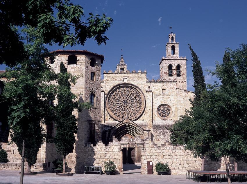 Exterior del monasterio de Sant Cugat d'Octavià  (Imagen M.A.S.)