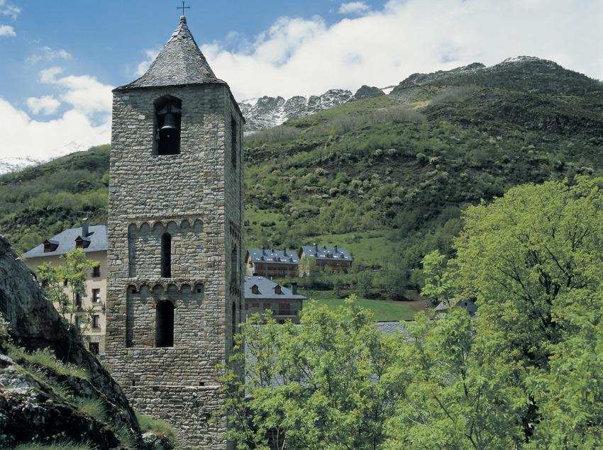 Campanario de la iglesia de Sant Joan de Boí.  (Imagen M.A.S.)