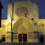 Night view of the façade of the cathedral of Santa Maria.  (Imagen M.A.S.)