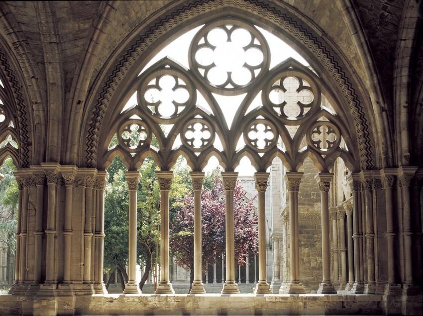 Arcos geminados del claustro de La Seu Vella.  (Imagen M.A.S.)