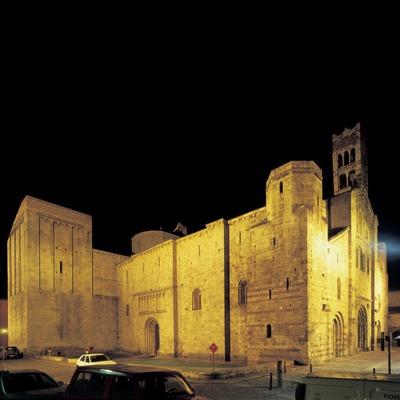 Vista nocturna de la catedral de Santa Maria d'Urgell.  (Imagen M.A.S.)