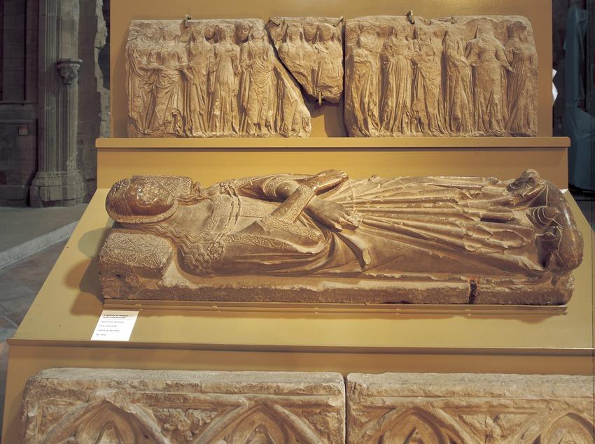Estatua mortuoria de Teresa de Montcada (siglo XIV). La Seu Vella.  (Imagen M.A.S.)