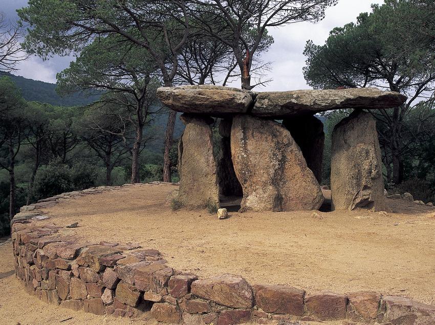 Der Dolmen von Pedra Gentil  (Turismo Verde S.L.)