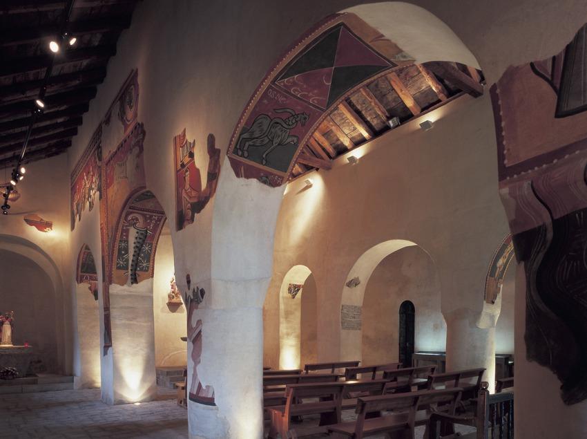 Nave lateral de la iglesia de Sant Joan de Boí.  (Imagen M.A.S.)