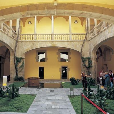 Patio del Palau de Lloctinent.  (Imagen M.A.S.)