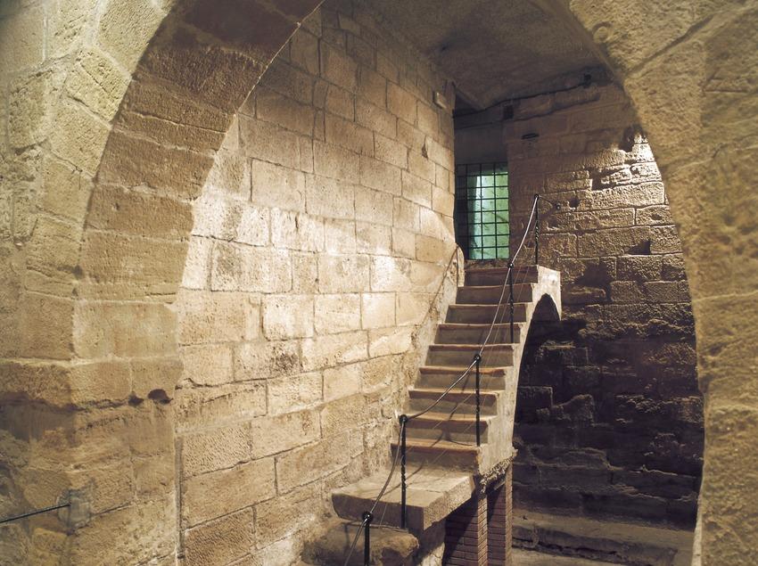 Antiguos calabozos de La Paeria (ayuntamiento de Lleida).  (Imagen M.A.S.)