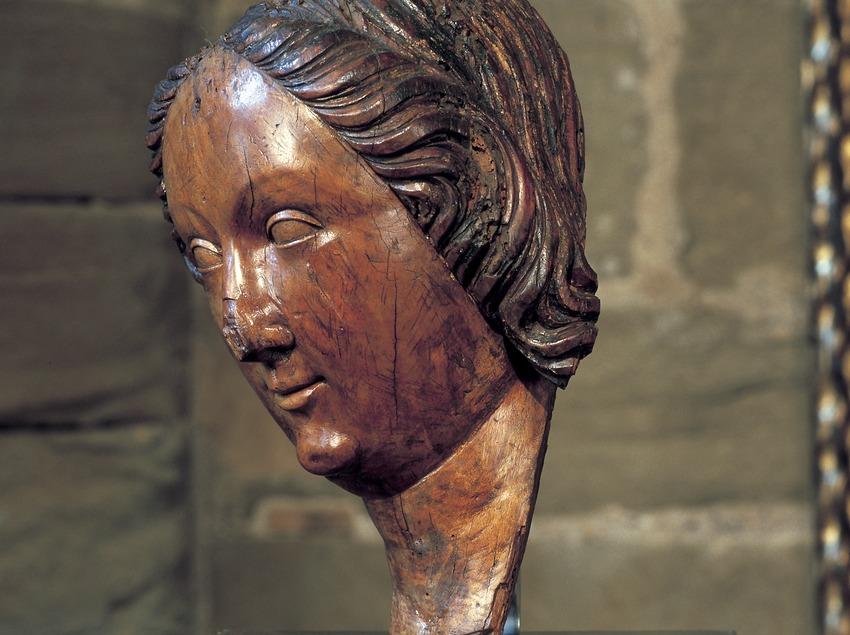 Cabeza de mujer (siglo XIII). Pere Sanglada. Museo Diocesano y Comarcal de Lleida.  (Imagen M.A.S.)