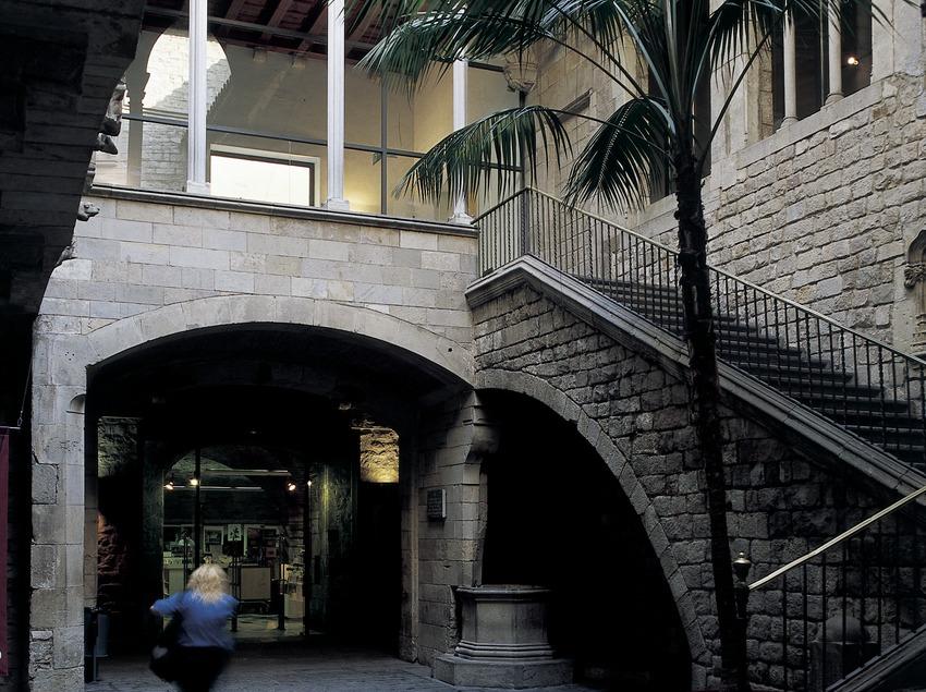 Pati del Palau Aguilar, seu del Museu Picasso.  (Imagen M.A.S.)