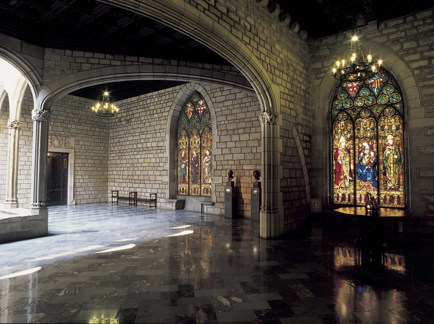 Galería gótica del ayuntamiento de la ciudad.