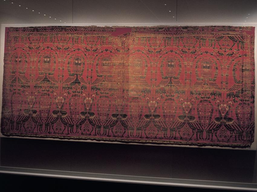Frontal d'altar Drap de les Bruixes (segle XII). Museu Episcopal. (Imagen M.A.S.)