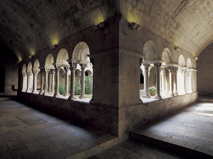 Claustre del monestir de Sant Pere de Galligants.  (Imagen M.A.S.)