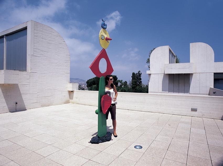 Sculpture on the terrace of the Joan Miró Foundation, by Josep Lluís Sert.  (Imagen M.A.S.)