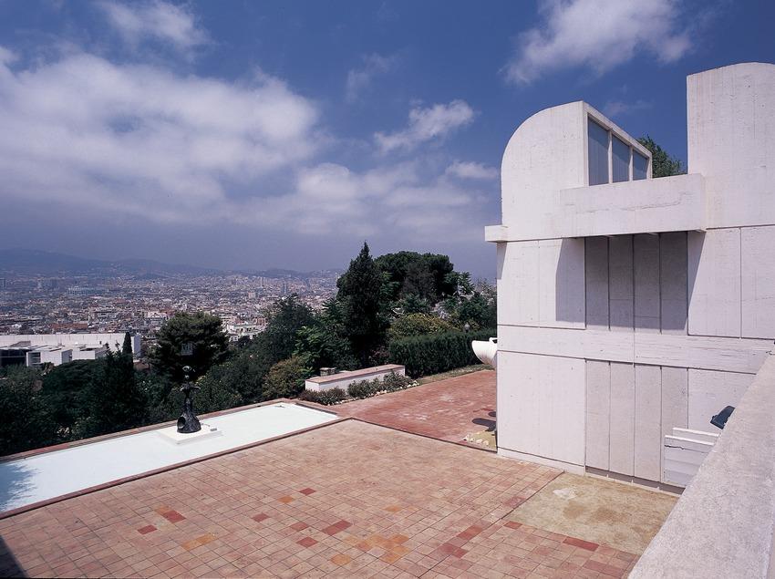 Terrassa de la Fundació Joan Miró.  (Imagen M.A.S.)