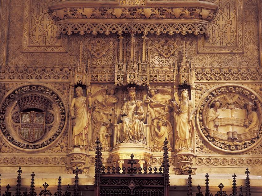 Detall del retaule d'alabastre (1924) del Saló de Cent. Enric Monserdà. Ajuntament de la ciutat.  (Imagen M.A.S.)