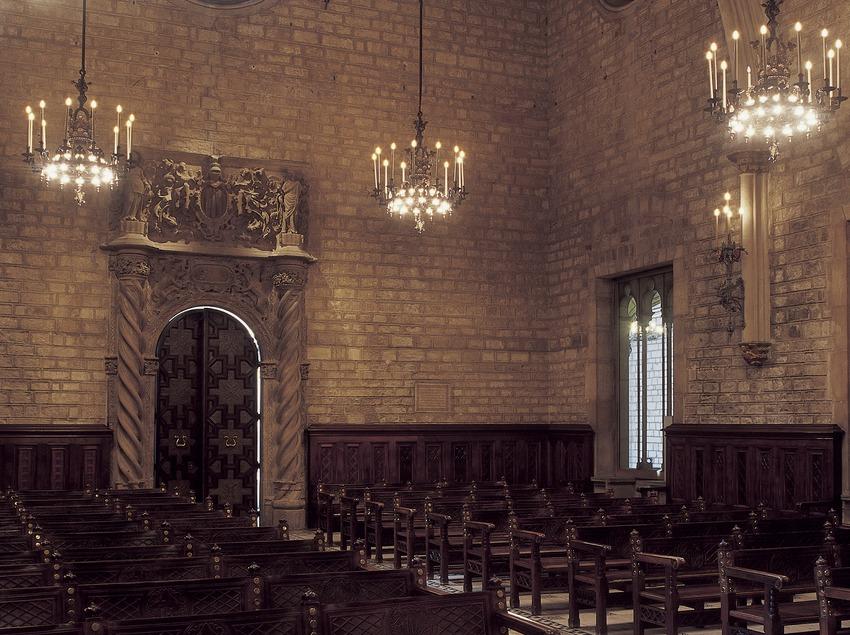 Saló de Cent y puerta del Trentenari (siglo XIV). Pere Llobet. Ayuntamiento de la ciudad.  (Imagen M.A.S.)