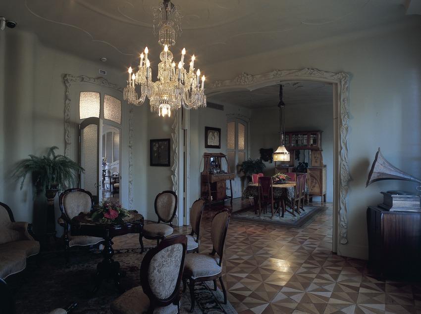 Comedor y sala de estar de la Casa Milà, La Pedrera. (Imagen M.A.S.)