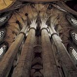 Восьмиугольные колонны деамбулатория церкви Санта-Мария дель Мар. (Imagen M.A.S.)