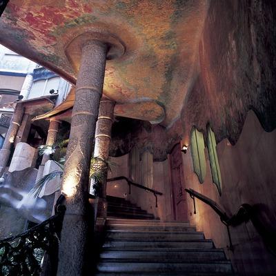 Escala d'accés al primer pis de la Casa Milà, La Pedrera.