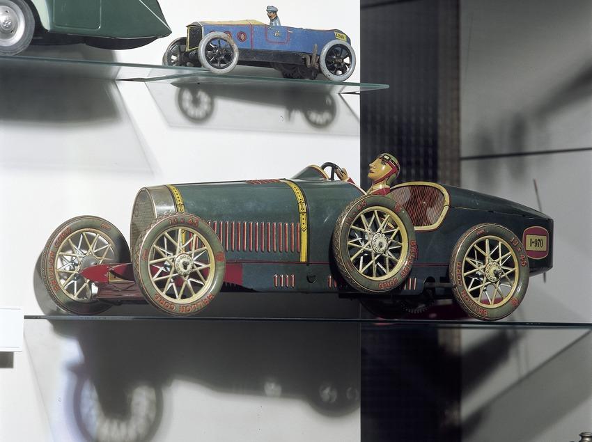 Cotxe de curses d'època. Museu del joguet de Catalunya.  (Imagen M.A.S.)