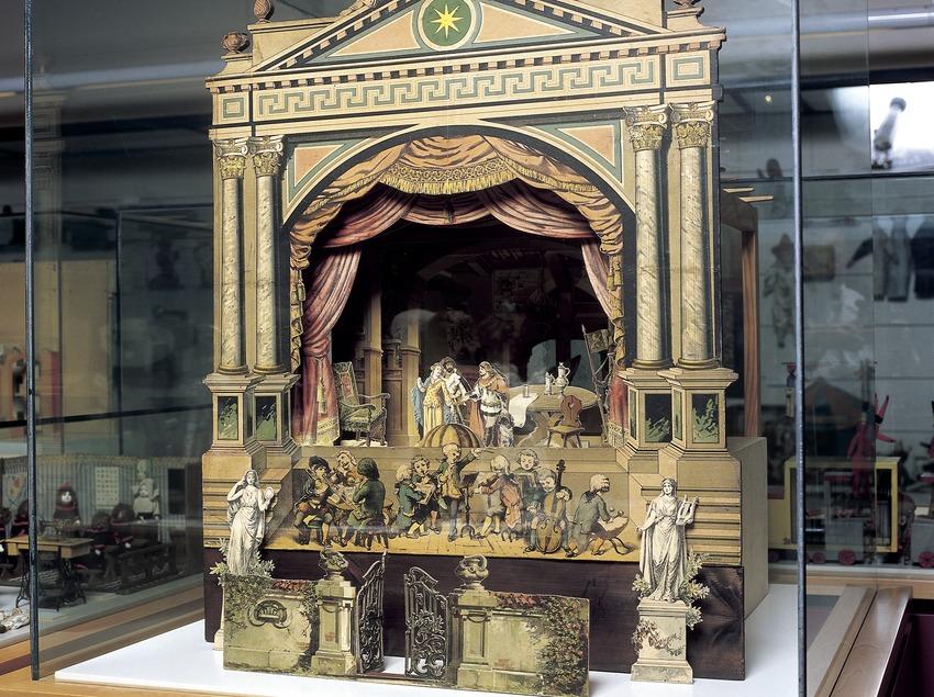Teatre de paper. Museu del joguet de Catalunya.  (Imagen M.A.S.)